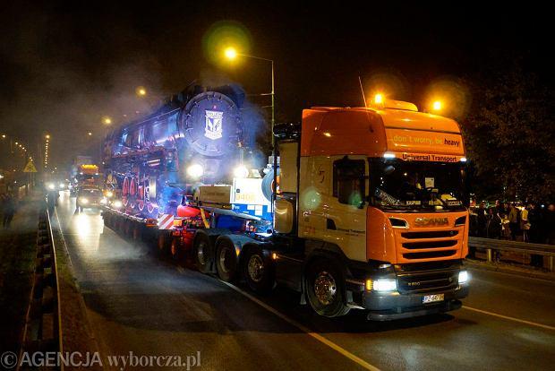 Zdjęcie numer 25 w galerii - Lokomotywa Lecha Poznań przejechała ulicami miasta pod stadion przy Bułgarskiej [ZDJĘCIA]