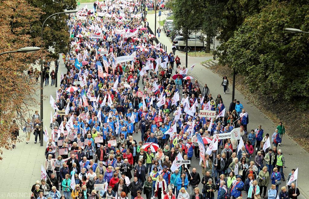 Demonstracja budzetowki w Warszawie