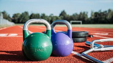 Kettlebell trening. Jakie efekty przynoszą ćwiczenia z kettlebell?