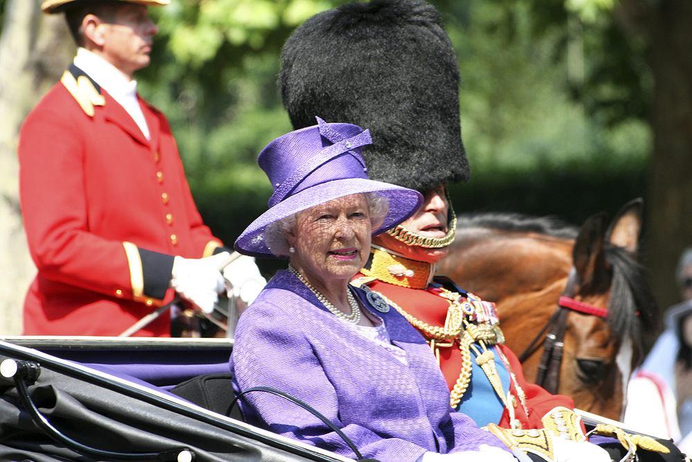 Królowa Elżbieta nie pokazywała się w ciąży