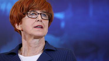 Elżbieta Rafalska, minister rodziny, pracy i polityki społecznej apeluje ws. zakazu handlu w niedziele