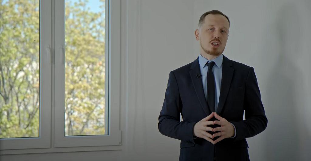 Antoni Syrek-Dąbrowski wyśmiewa patodeweloperów