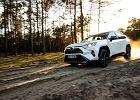 Bestseller z elektrycznym napędem 4x4. Toyota RAV4 to idealne auto do miasta i w teren
