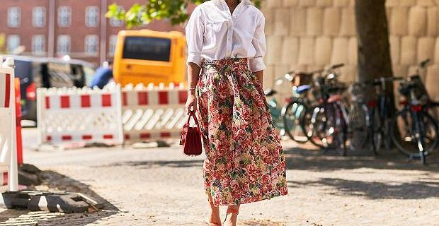 Kobiety po 50. roku życia pokochają te długie spódnice!
