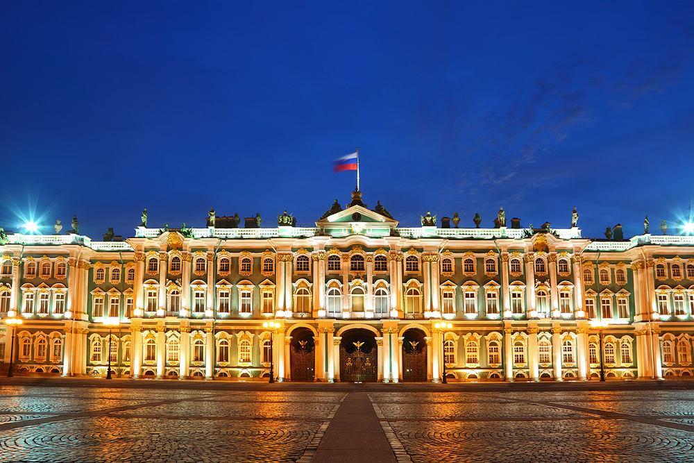 Sankt Petersburg, Rosja - Pałac Zimowy i Emitraż