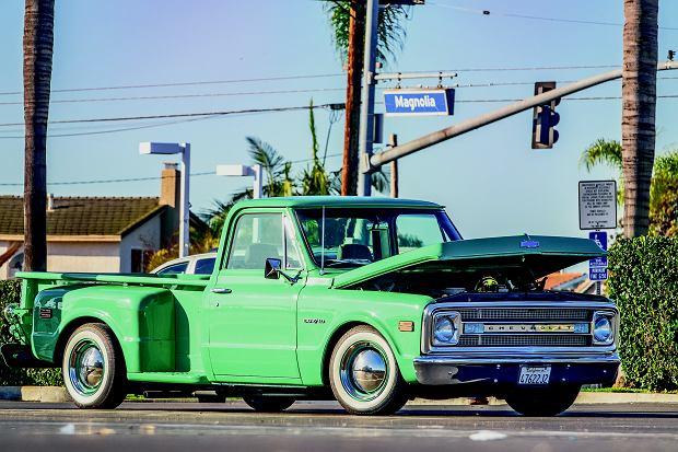 Odrestaurowany amerykański pikap? Uwierzcie, że ten chevrolet to nie najdziwniejszy samochód, który zyskał drugie życie. Dlatego rynek tych aut jest tak ciekawy.
