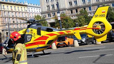 Nie ma karetek, więc do wypadku wysłali śmigłowiec. Lądował w centrum Warszawy