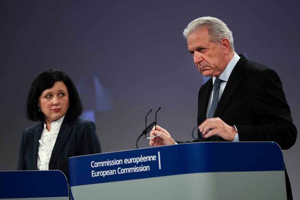 Unijni komisarze Vera Jourova i Dimitris Avramopoulus