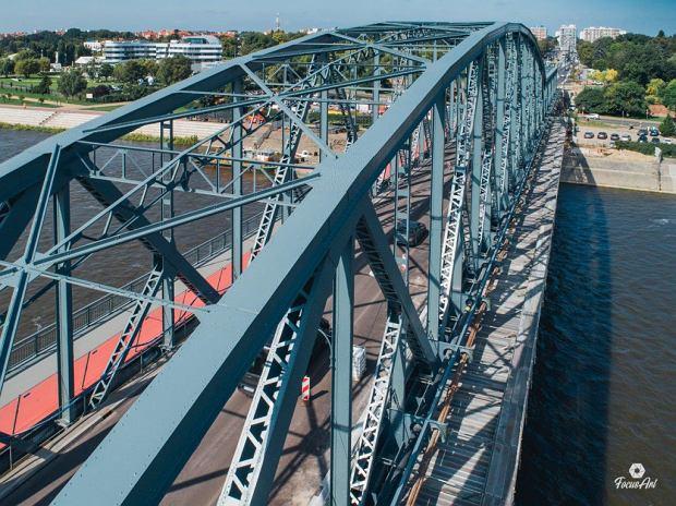 Zdjęcie numer 13 w galerii - Modernizacja mostu im. Piłsudskiego za 123 mln zł. Tak wygląda z drona