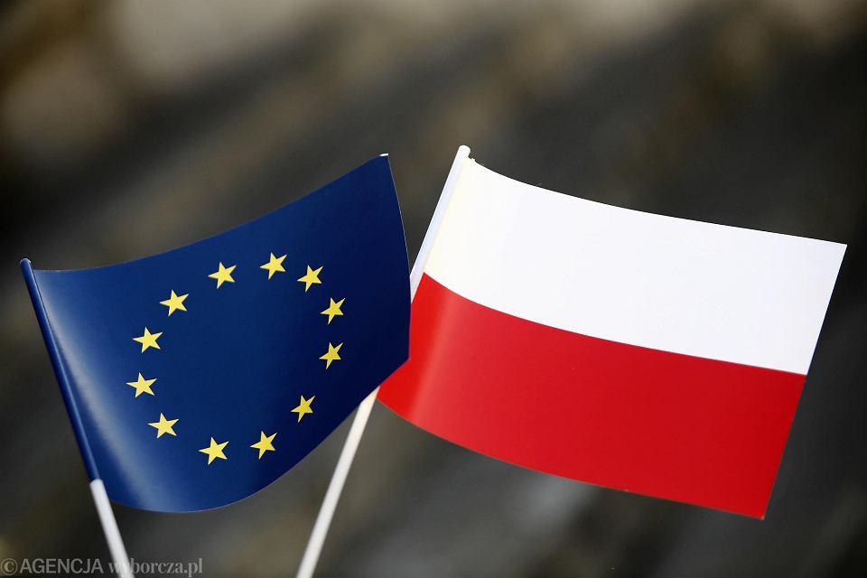 Flaga unijna i polska