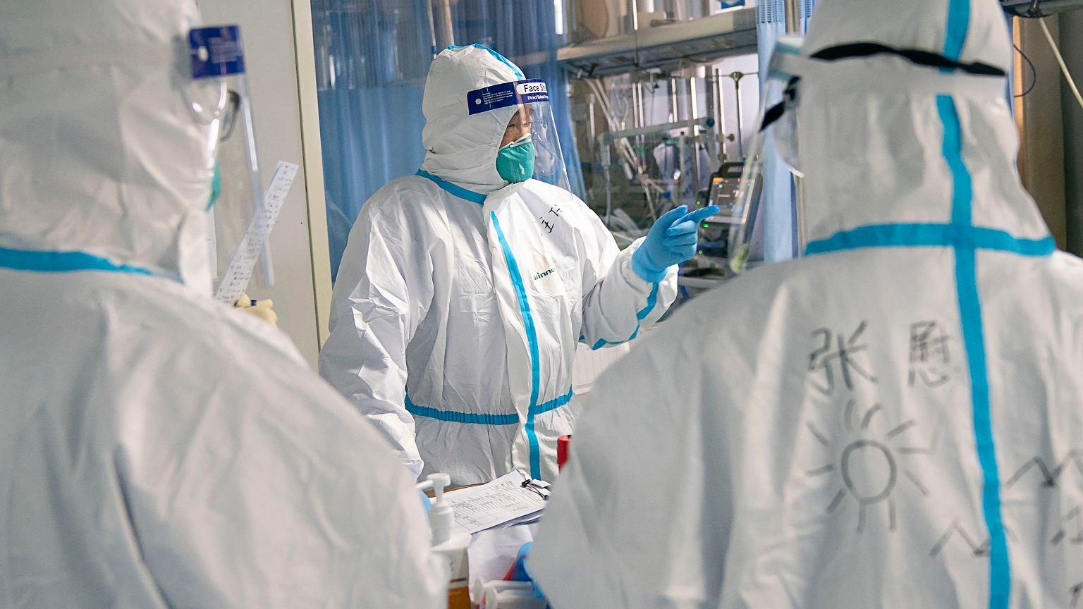 Koronawirus w Chinach. 56 milionów ludzi w 18 miastach objętych zakazem podróżowania | Wiadomości ze świata - Gazeta.pl