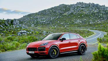Projektanci Porsche przekonują, że w sylwetce Cayenne Coupé widać linię modelu 911. Na dobrą sprawę nie muszą tego robić, bo rzeczywiście tak jest.