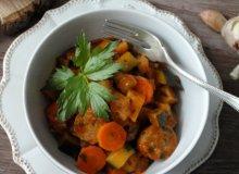 Warzywne ragout z kiełbasą - ugotuj