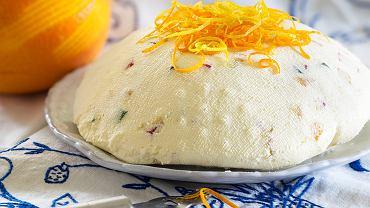 Pascha wielkanocna to słodki deser zrobiony przede wszystkim z sera twarogowego i bakalii