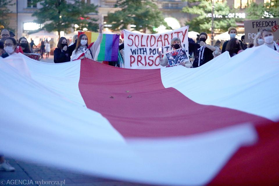 Marsz solidarności z kobietami Białorusi. Kraków, 10.10.2020.