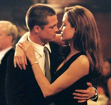 Angelina Jolie and brad pitt on the set of Mr and Mrs Smith'