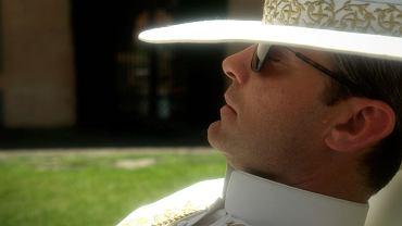 """Jude Law jako tytułowy """"młody papież"""" w serialu Paola Sorrentino"""
