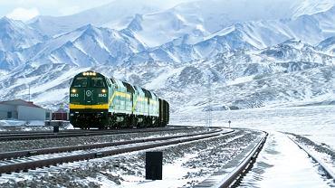Podróż z Pekinu do Lhasy (4064 km) trwa 47 godz. 28 min.