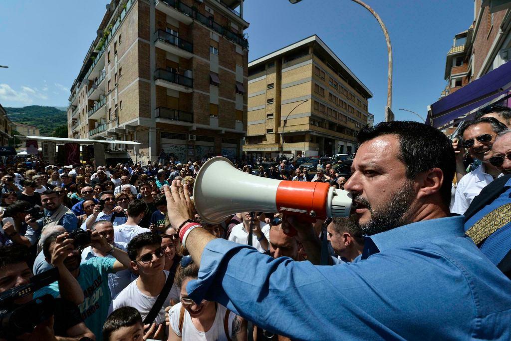 Lider Ligi Matteo Salvini na wiecu w czerwcu 2019, potępia procedurę dyscyplinującą włoski rząd ws. budżetu