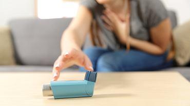 Astma jest chorobą nieuleczalną, jednak przestrzeganie zasad leczenia pozwala chorym zachować wysoką jakość codziennego życia