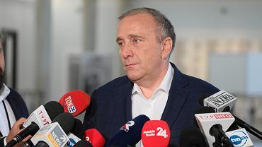 Szef PO Grzegorz Schetyna podczas konferencji prasowej w Sejmie. Warszawa, 3 lipca 2019