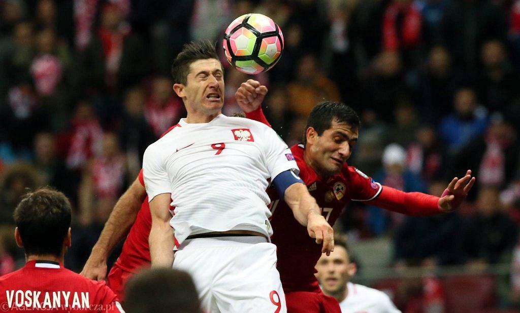 Robert Lewandowski w meczu z Armenią