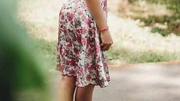 spódnica w kwiaty