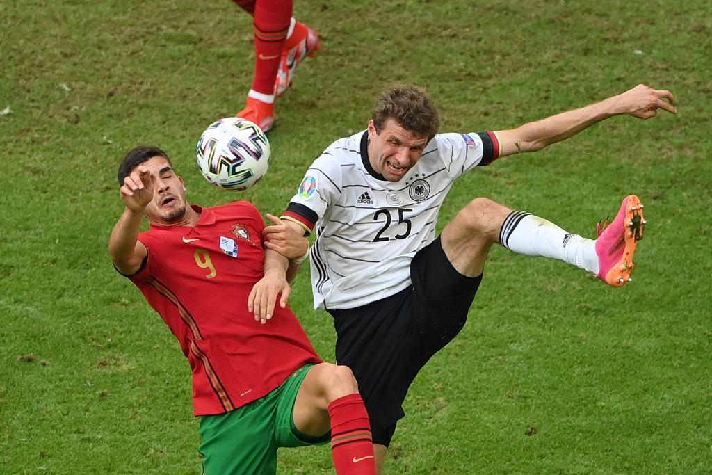 Problem Joachima Loewa. Kontuzja wyklucza czołowego gracza Niemiec