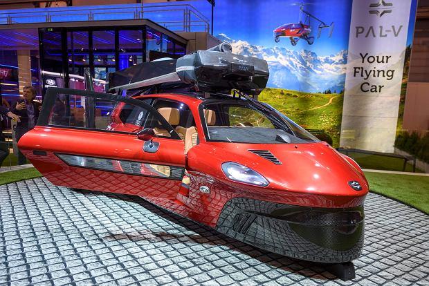 Macie ochotę pojeździć pierwszym na świecie latającym samochodem? Pal-V Liberty czeka na śmiałków
