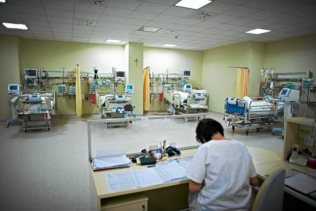Oddział intensywnej terapii w szpitalu (zdjęcie ilustracyjne)