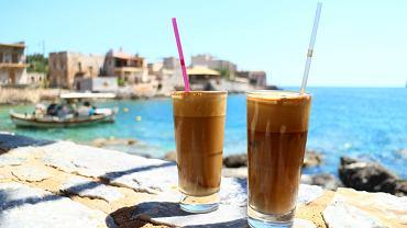 Frappe, czyli kawa mrożona z Grecji. Zdjęcie ilustracyjne
