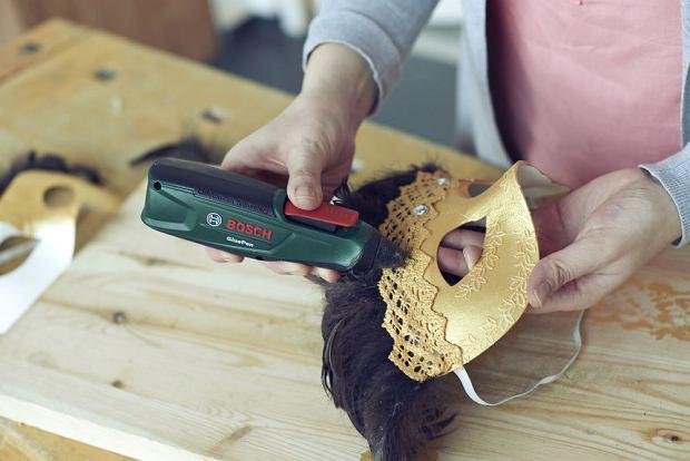 Maska karnawałowa - dekoracja cekinami