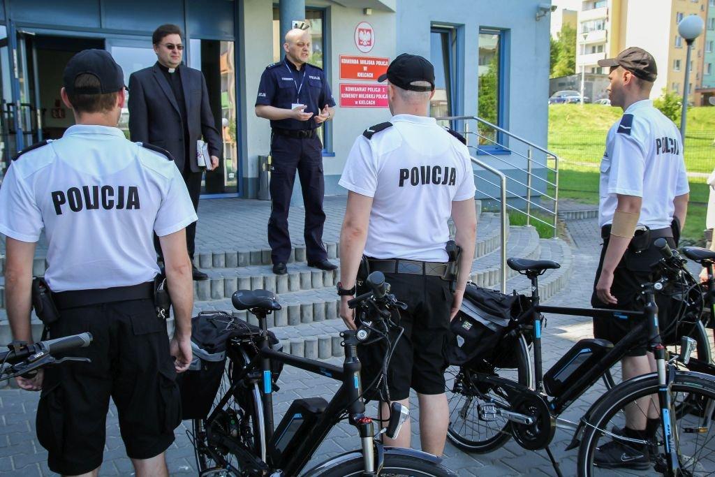 Sześć nowych rowerów elektrycznych trafiło do policjantów z Kielc
