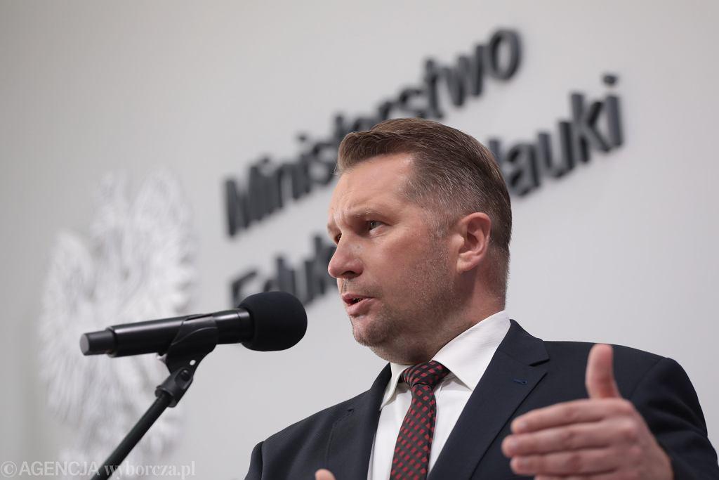 Minister edukacji w rządzie PiS Przemysław Czarnek podczas konferencji w resorcie. Warszawa, 17 sierpnia 2021