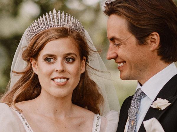 """Do sieci wyciekło niepublikowane dotąd zdjęcie ze ślubu księżniczki Beatrice. """"Bardzo intymne"""""""