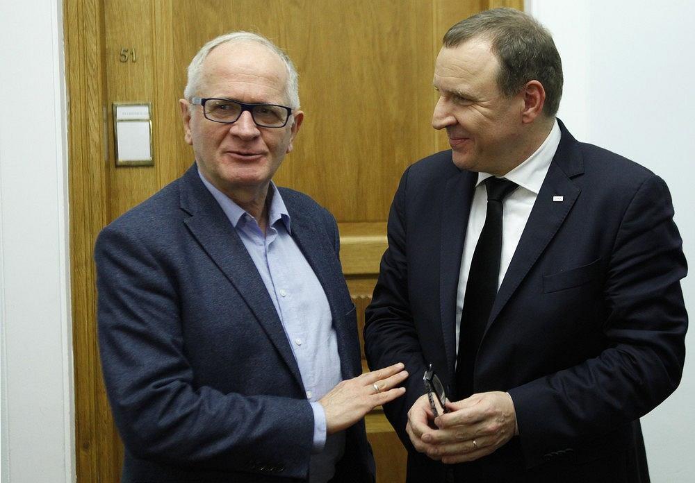 Przewodniczący Rady Mediów Narodowych Krzysztof Czabański i Jacek Kurski (podówczas nowo wybrany, dziś wciąż prezes TVP) Warszawa, Sejm, 12 października 2016