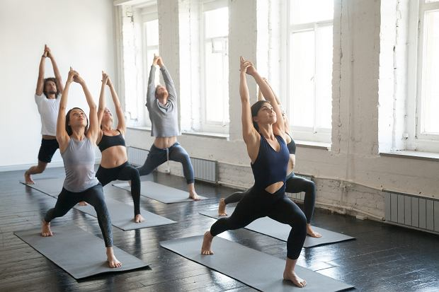Joga jest jedną z czynności, która może wprowadzić w stan flow (fot. Shutterstock)