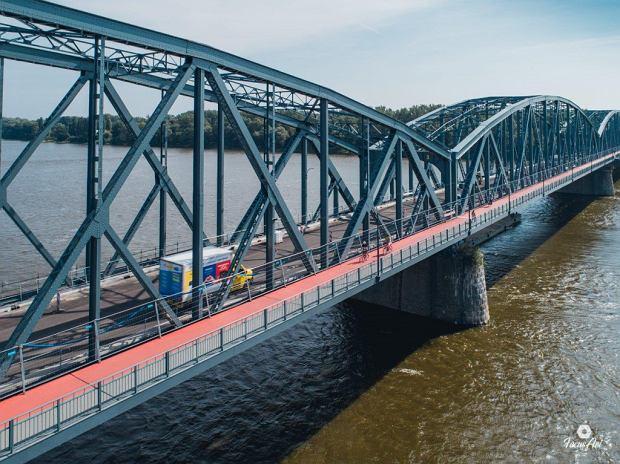 Zdjęcie numer 12 w galerii - Modernizacja mostu im. Piłsudskiego za 123 mln zł. Tak wygląda z drona