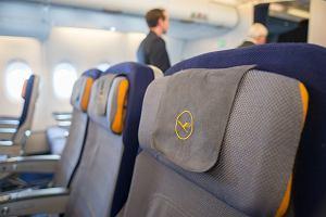 Lufthansa testuje nowy pomysł - w klasie ekonomicznej będzie można się położyć
