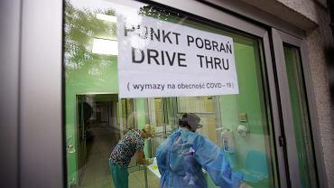 Milion zakażeń koronawirusem w Polsce. Niewykrytych jest kilka razy więcej