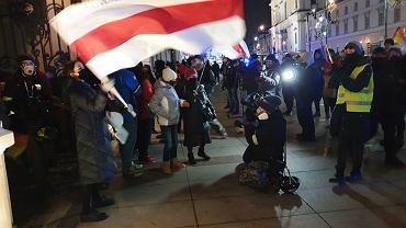 Manifestacja solidarności z Białorusią na Krakowskim Przedmieściu