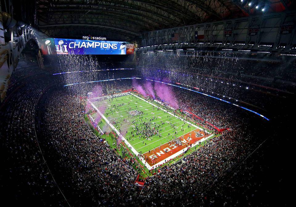 Zdjęcie numer 6 w galerii - Super Bowl 2017. Zatrzęsienie gwiazd na trybunach! Co tam się działo! [ZDJĘCIA]