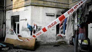 Szczegóły zabójstwa w Bolesławcu. Mężczyzna zaatakował nożem konkubinę i swoje dziecko. Był wcześniej karany