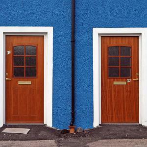 Savoir-vivre: gdy masz zbyt wylewnego sąsiada