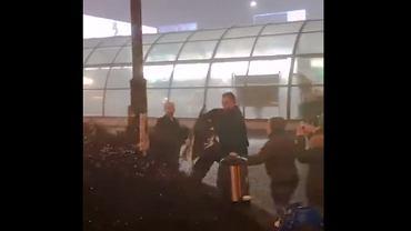 Incydent na warszawskiej 'patelni'. Zaatakowani zostali działacze organizacji Food Not Bombs