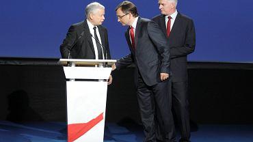 """Prezes PiS Jarosław Kaczyński w towarzystwie nowych 'przystawek"""": Zbigniewa Ziobry i Jarosława Gowina"""