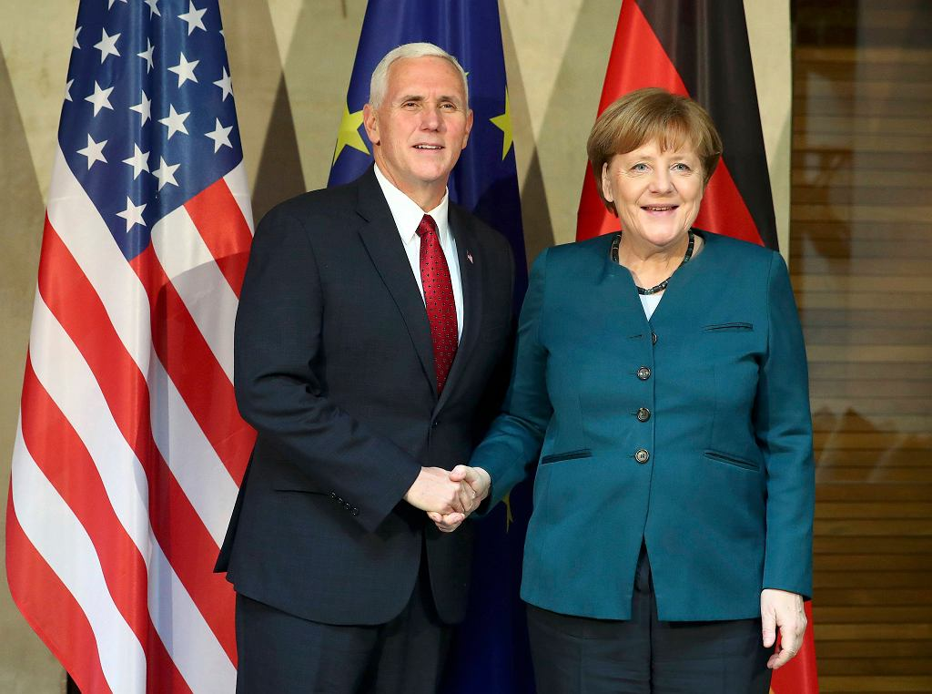 Angela Merkel i Mike Pence