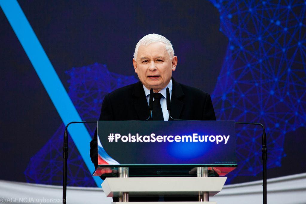 Jarosław Kaczyński na konwencji PiS w marcu