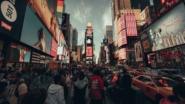 USA. Lokalne władze ostrzegają przed nowojorskim wariantem koronawirusa