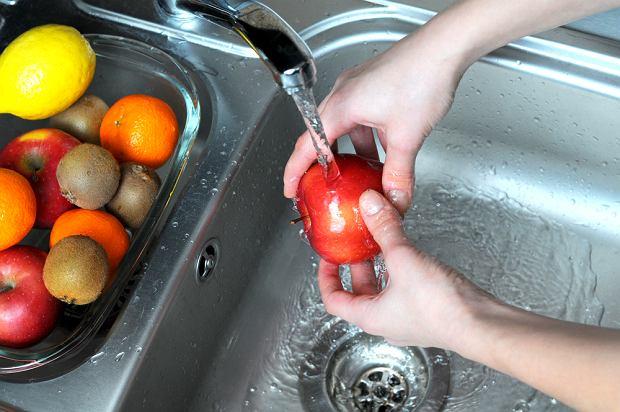 Mycie owoców